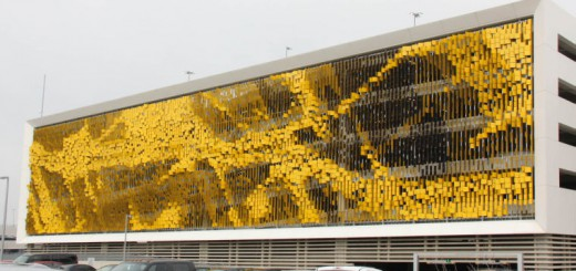 fachada que cambia de color
